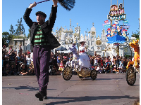 Chimney sweep and Mary Poppins in the parade.