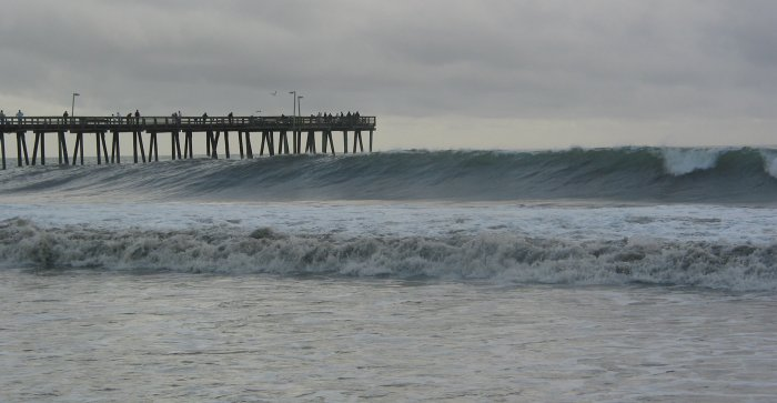 Big wave at the pier.