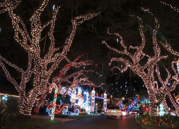 Snug Harbor Christmas Lights, Palm Beach FL