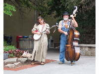 Appalachian street musicians in Gatlinburg.