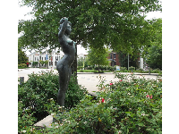 Sculpture of a young woman outside the Hunter Museum of American Art.