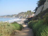 The loop trail on the cliff over the beach.