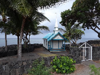 What a beautiful spot! Perfection! A little chapel on the ocean.