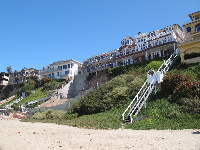 Beachhouses against the cliff- crazy!