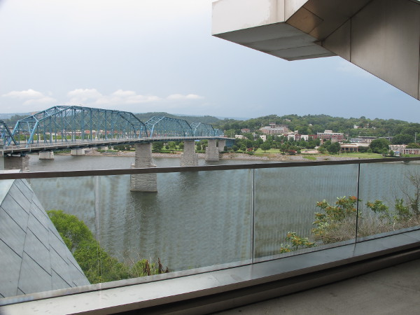 Modern architecture of the Hunter Museum of American Art, on its perch above the river.