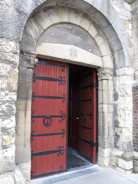 The beautiful red door at Pancratiuskerk.