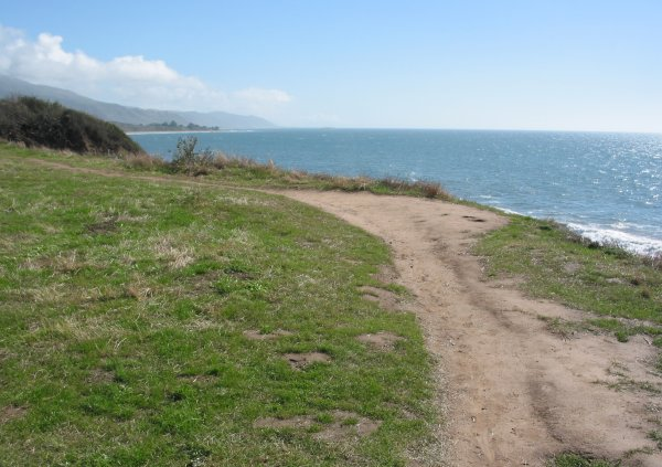 The chilly part of the trail, by the sea, to the west, by the seal rookery.