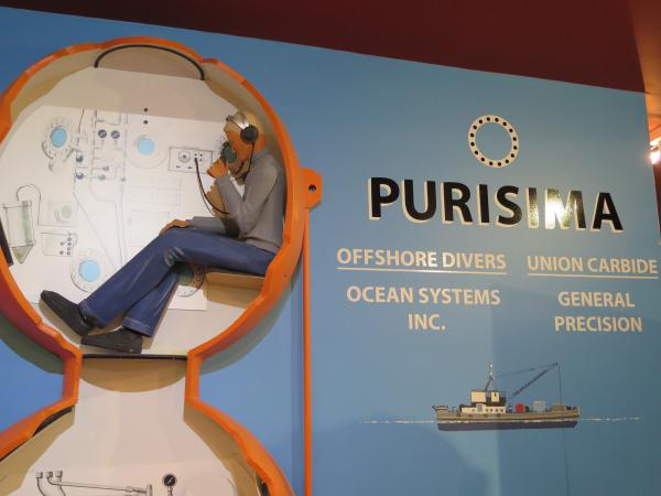 Exhibit about Purisima, the diving bell that is on display in front of the museum.