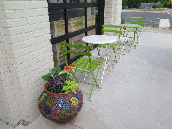 Outdoor seating at Cocoa Cinnamon on Hillsborough Rd.