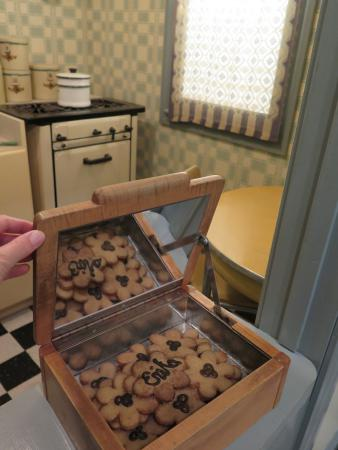 Erika's cookies, in her nice house with Daniel before they were sent to the ghetto.