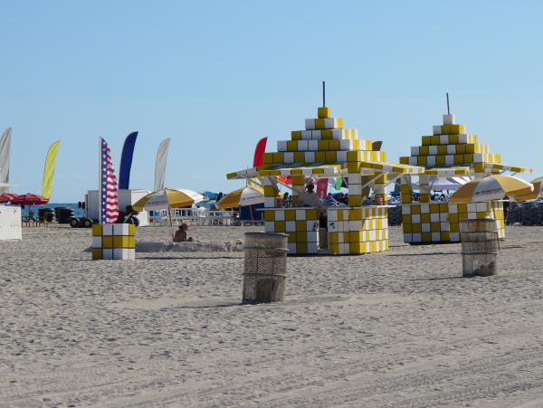 Funny little structures on the beach near 16th Street.