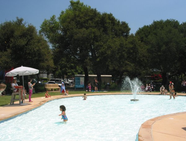 Splash pool at Oak Park.