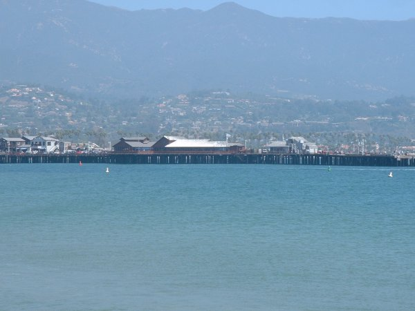 I love the mountains behind the pier! Wow!