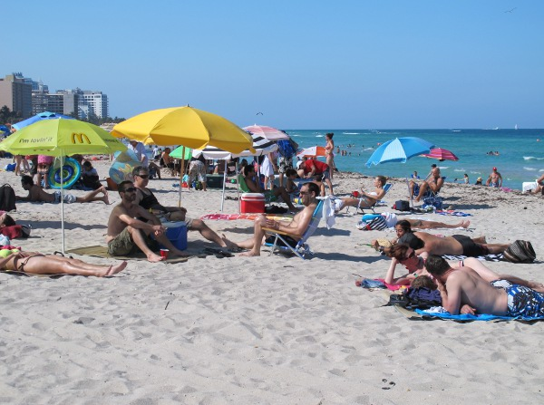 It's a fun scene at 21st Street Beach!